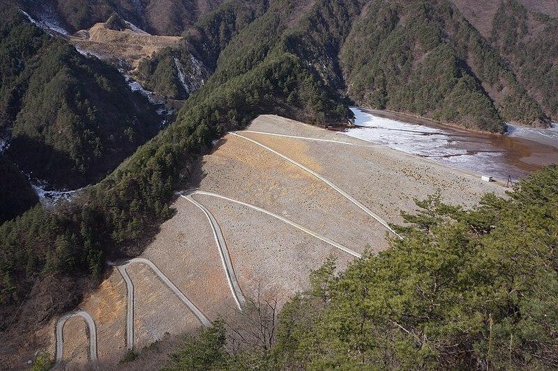 鉱滓ダムの例:簀子橋堆積場