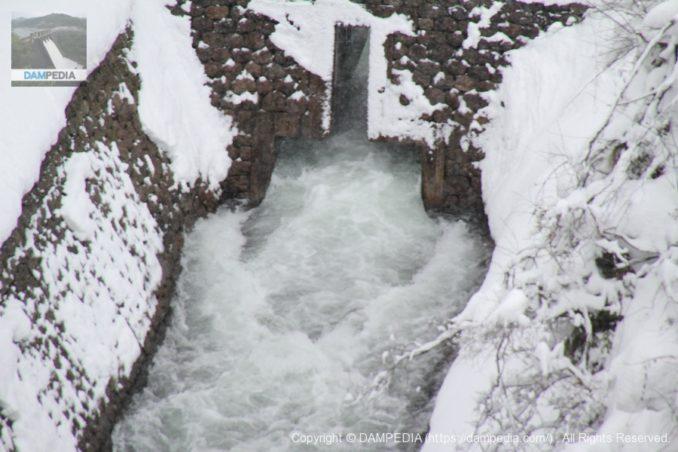 辰巳用水東岩取水口への分流工