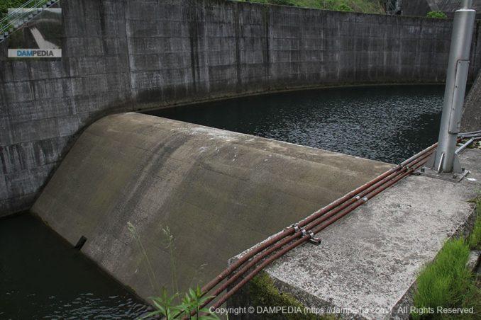 減勢工の副ダム