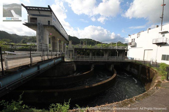 水路側の取水口を望む