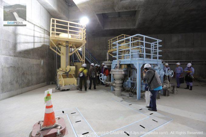利水室内にある利水放流設備