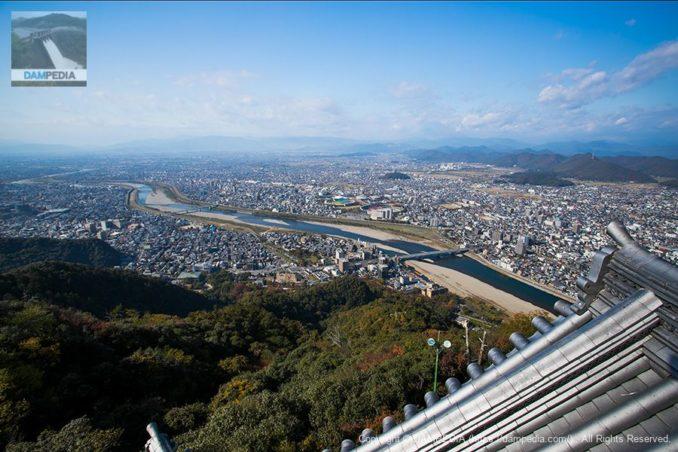 岐阜城から長良川を望む