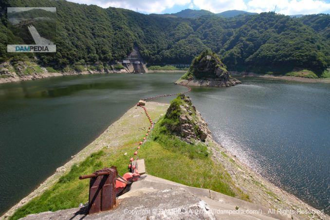 網場と島と取水口
