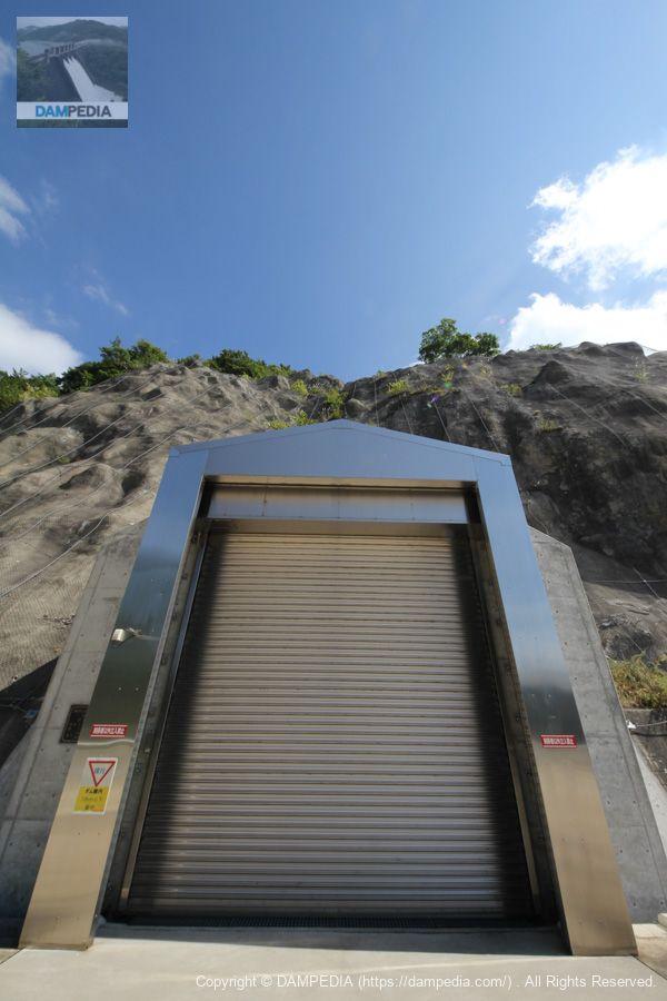 湯田ダム共同取水口管理用トンネル