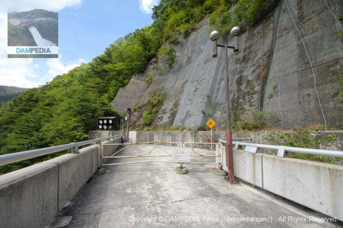 右岸ダムサイト