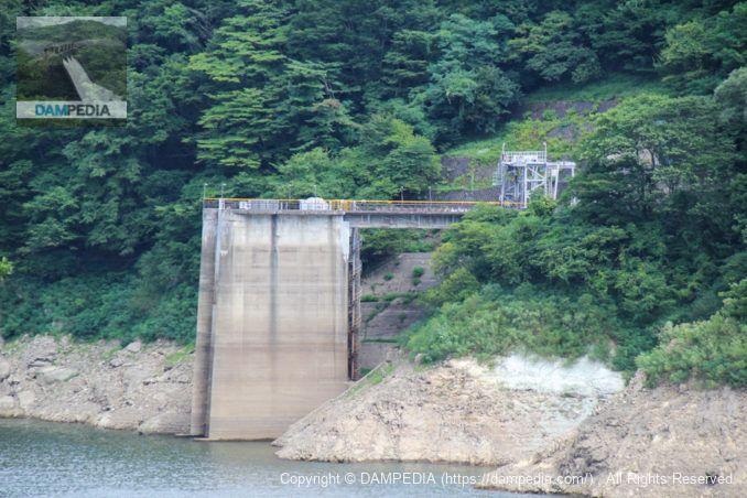 発電用の取水塔