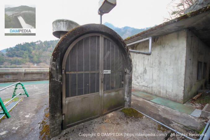 監査廊入口