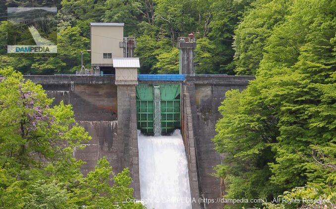 胎内第二ダムのフラッシュボード