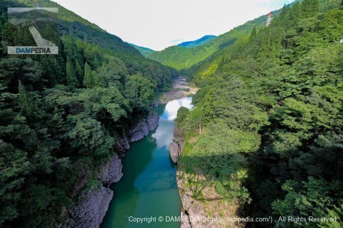 吉野橋から下流を見る