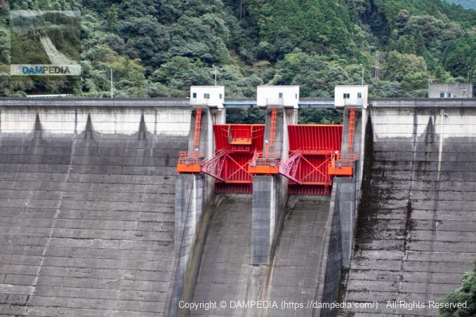 黒瀬ダムのフラッシュボード