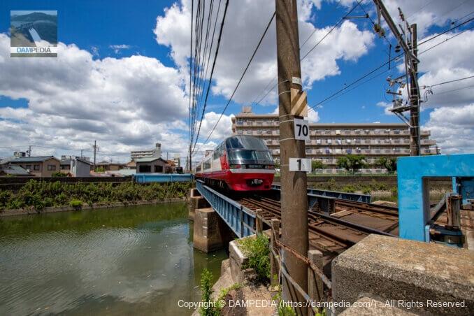 左岸下流側より山崎川橋梁を見る