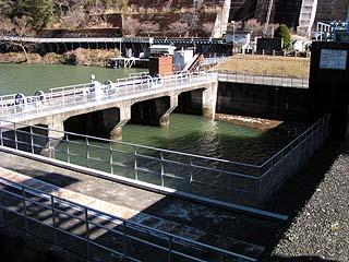 第二発電所用の取水口を望む