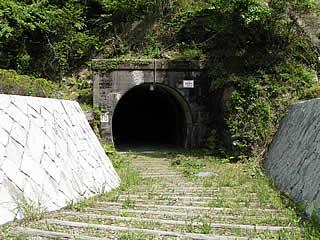 井川線の旧線トンネル