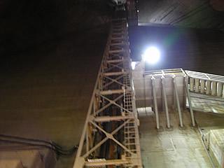 エレベータシャフト