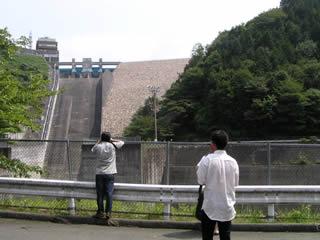 阿木川ダム~下流から