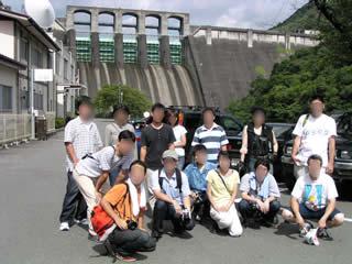 丸山ダム~直下で夜雀さんと交えて記念撮影